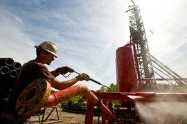 Американская нефть примерно на 16% дешевле международного эталона