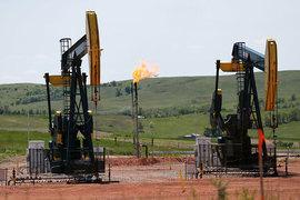Устойчивый рост добычи нефти в США стал одной из причин резкого падения мировых цен на нефть