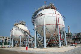 «Газпром нефть» получила исключительное право ведения переговоров с вьетнамской госкомпанией Petrovietnam о приобретении 49% в НПЗ «Зунг Куат»