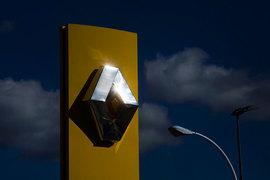Правительство Франции хочет сохранить контроль над Renault