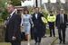 Премьер-министр, лидер консервативной партии Дэвид Кэмерон с женой Самантой у избирательного участка в Спелсбери