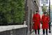 Пенсионеры Королевского госпиталя в Челси после голосования