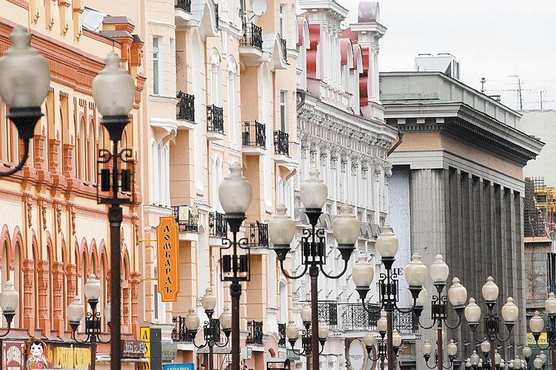 Квартиры в историческом жилом фонде в центре подешевели с сентября 2014 г. на 35%, по данным IntermarkSavills (до $5000 за 1 кв. м)