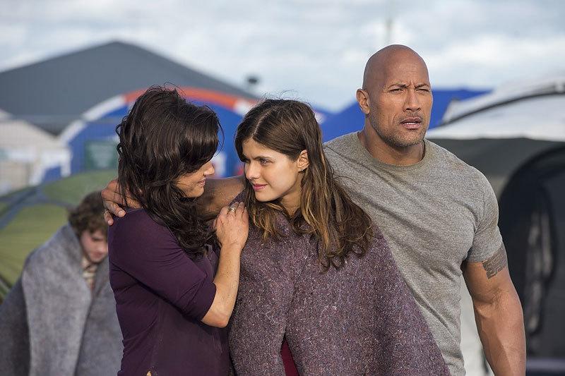 С героем, который одной рукой может обнять сразу двоих, и землетрясение не страшно