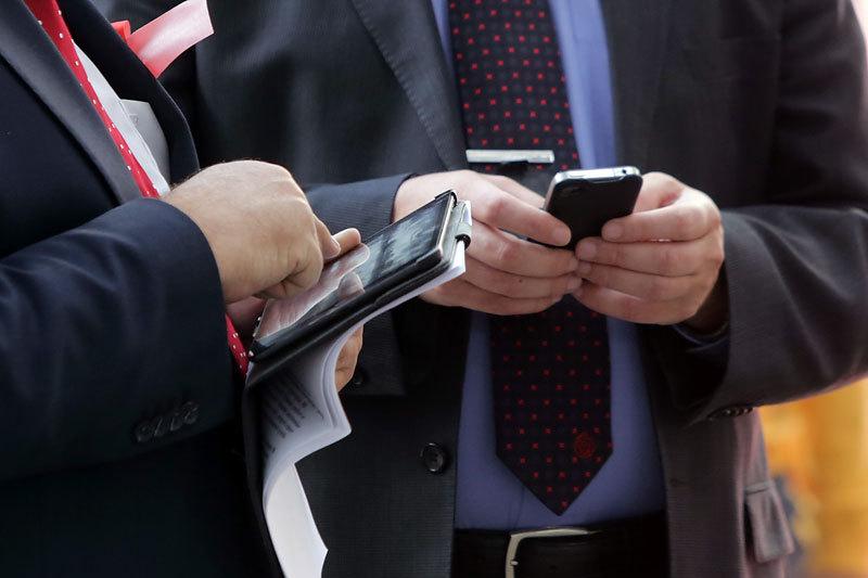 Корпорации хотят, чтобы сотрудники пользовались своими мобильными устройствами не только для просмотра почты