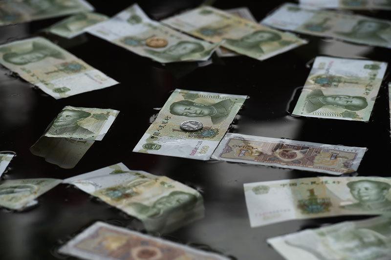 «Газпром нефть» поменяла валюту