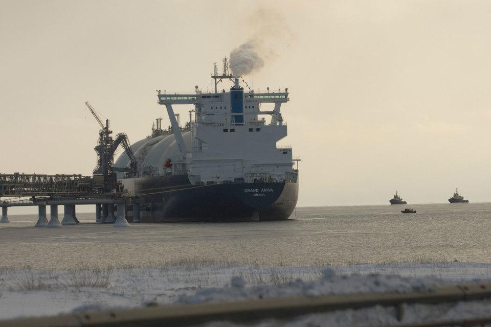 Shell заключила 20-летний контракт с «Новатэком» на покупку 0,9 млн т СПГ в год с «Ямал СПГ»