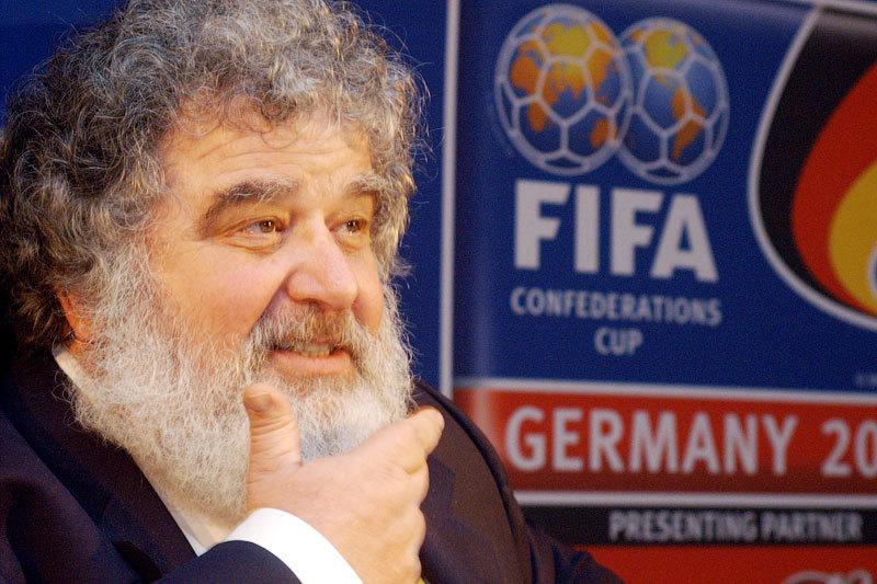 Бывший генсекретарь Конфедерации футбола Северной и Центральной Америки и стран Карибского бассейна (CONCACAF), бывший член исполкома FIFA Чак Блейзер