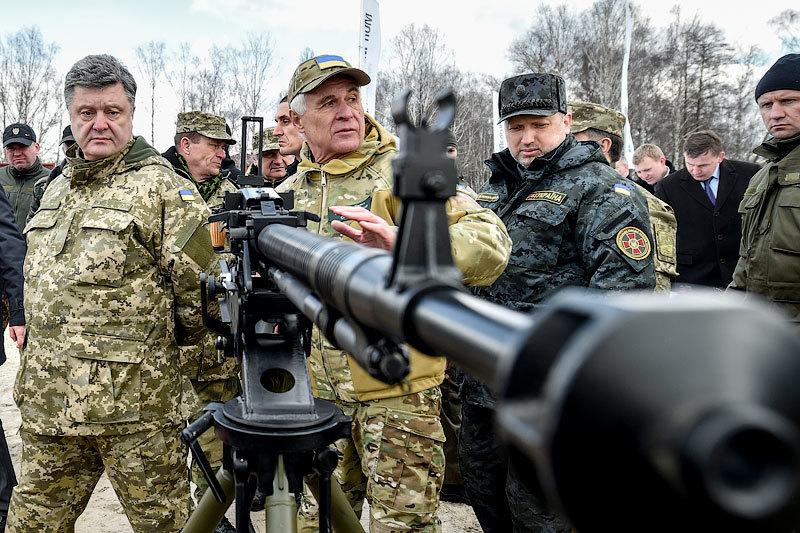 Порошенко предупредил об угрозе возобновления масштабных боевых действий на Украине