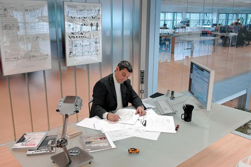 Люк Донкервольке руководил разработкой стиля Bentley с сентября 2012 г.