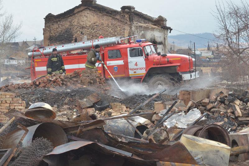 В Хакасию пришли деньги на восстановление домов, сгоревших в апреле во время лесных пожаров. Но многим погорельцам придется доказывать право на это жилье