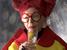 На Beat Film Festival показывают фильм о легенде мира моды 93-летней Айрис Апфель. «Айрис» - это круглые очки и гигантские украшения, бесконечный гардероб, обложки журналов и Канье Уэст в поклонниках.  5 июня