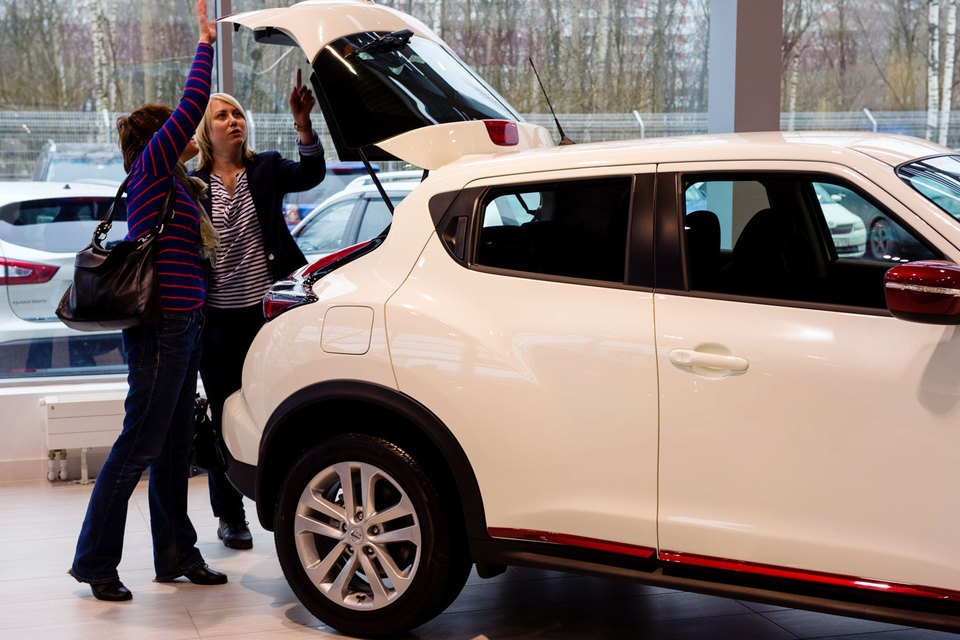 В разрез с динамикой рынка в мае продавались кроссоверы Nissan X-Trail, Toyota RAV-4 и Mitsubishi Outlander, внедорожник UAZ Patriot и хетчбэк Skoda Rapid