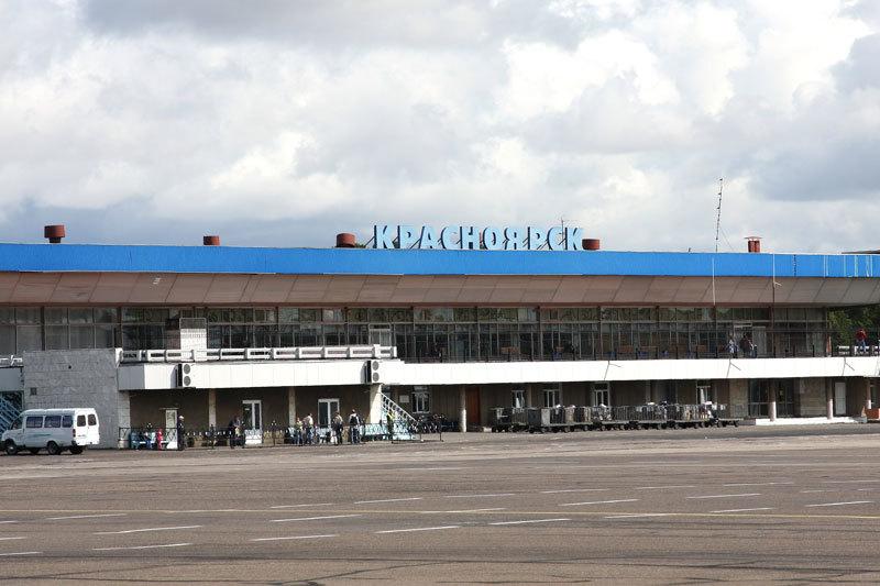 На красноярский аэропорт «Емельяново» претендуют структуры Виктора Вексельберга, Олега Дерипаски и Романа Троценко