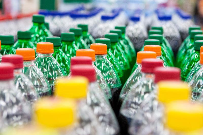 Не зарегистрированное в Минюсте общественное объединение инициировало рекламную кампанию с требованием запретить пластиковые бутылки