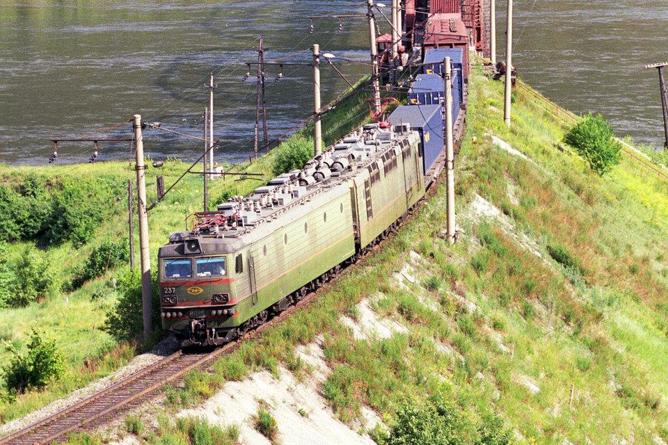 РЖД не хочет расставаться с локомотивами