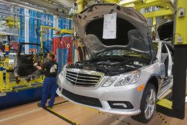 Daimler из-за санкций откладывает решение о строительстве завода в России