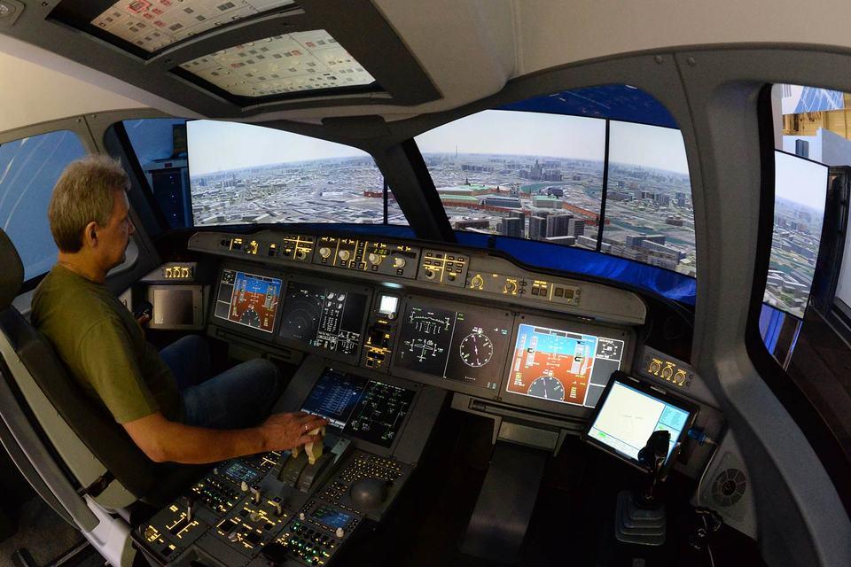 В программе «на земле» будет представлен новый вариант пилотажного тренажера для подготовки экипажей самолетов семейства МС-21