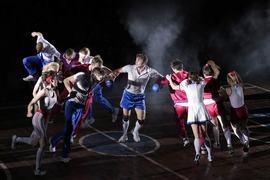 Герои фильма Довженко в спектакле стали спортсменами
