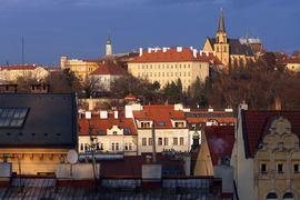 Объем операций по покупке россиянами заграничной недвижимости сократился на 72% – ЦБ