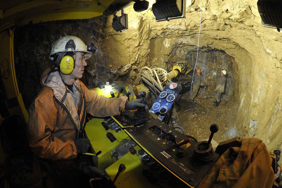 Этот и следующий годы идеальны для покупки российских золотодобывающих предприятий, считает EY