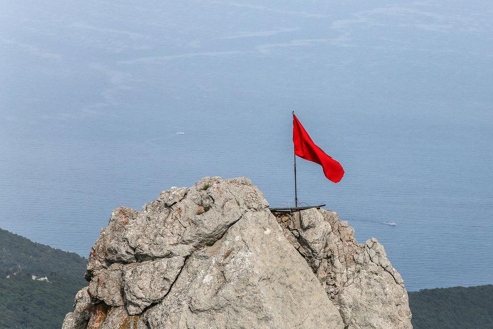 В ЕС действует запрет для судов, ходящих под флагом Евросоюза, заходить в порты Крыма