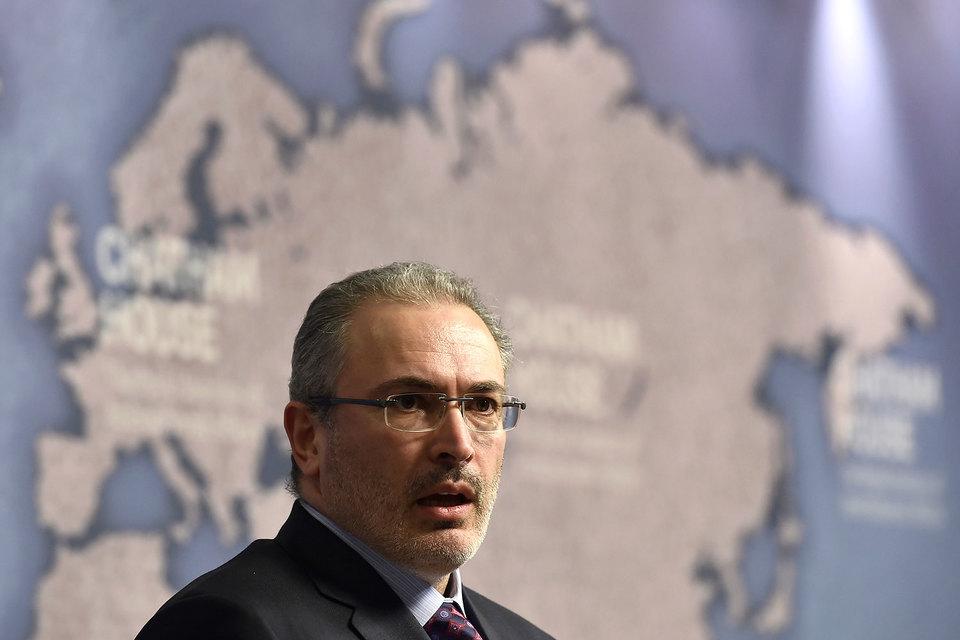 Михаил Ходорковский прогнозирует столкновение России с бетонной стеной в 2025 г.