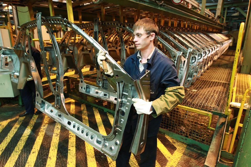 «АвтоВАЗ» за сутки перезапустил производство автомобилей после проблем с поставками комплектующих