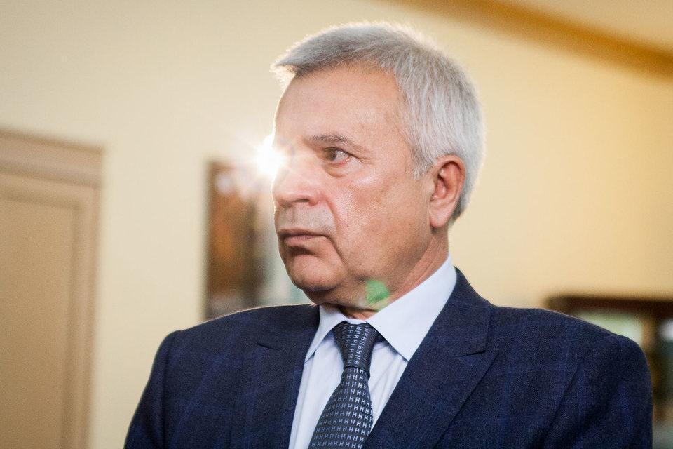 Президент Вагит Алекперов ограничен 30%-ной долей возможного владения акциями нефтекомпании