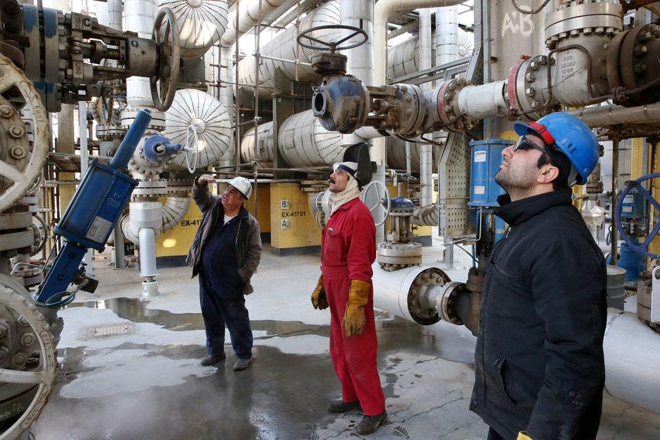 Иран хочет вернуть иностранных инвесторов в нефтяную отрасль