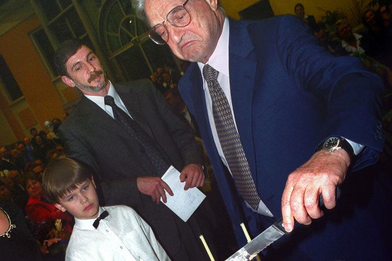 Еще 10 лет назад деятельность Фонда Сороса в России считалась очень желательной
