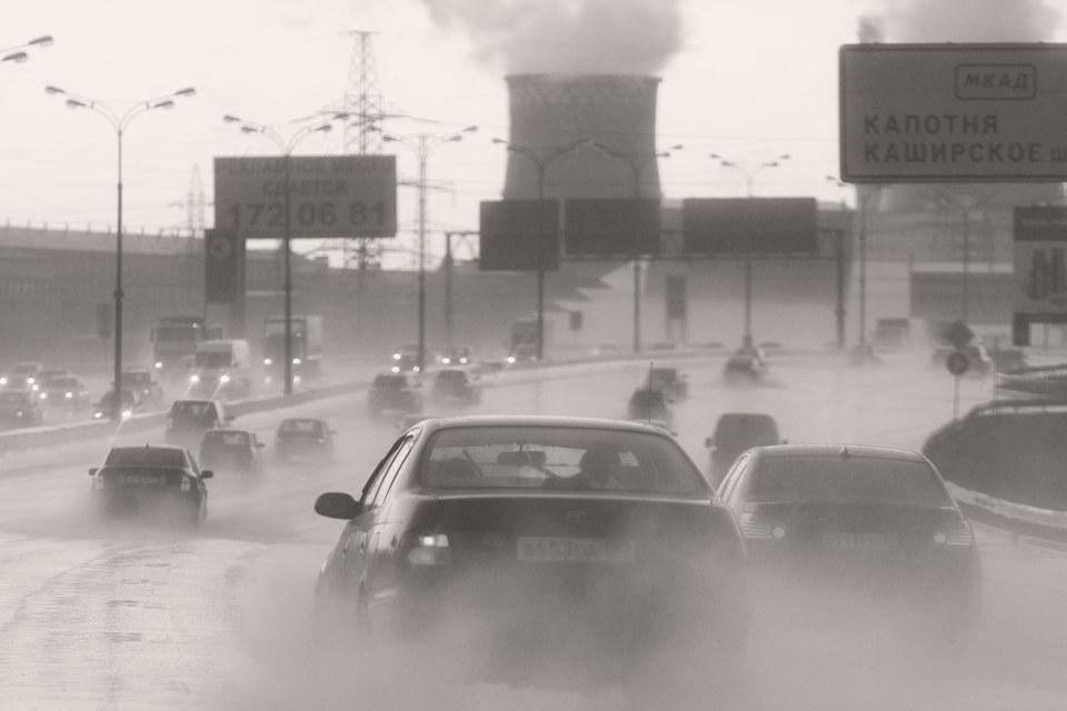 Многие заводы ушли из города, но пришел гигантский автомобильный поток, к которому город не был готов