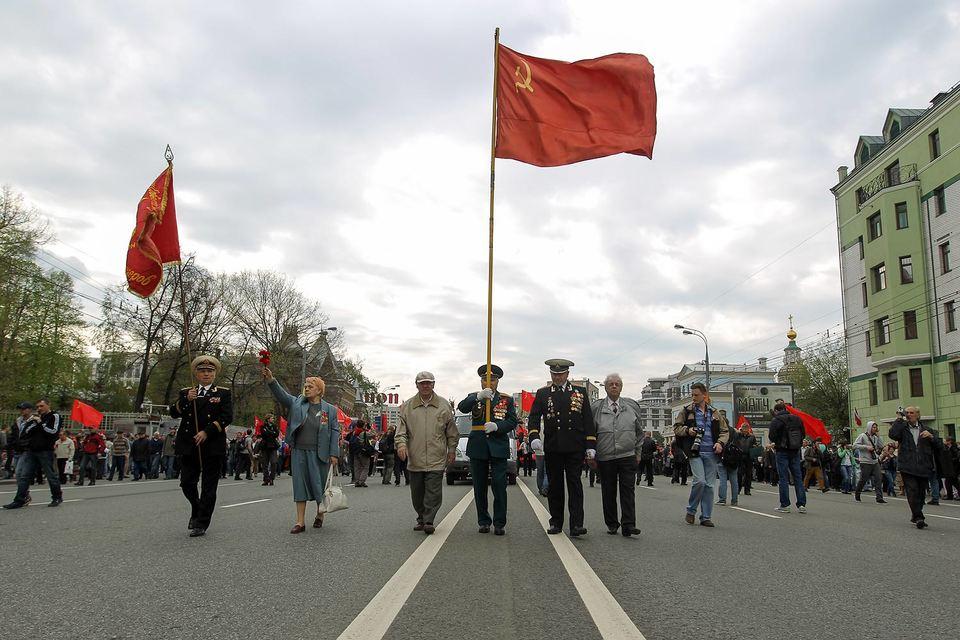Мосгоризбирком в четверг зарегистрировал инициативную группу КПРФ по проведению референдума о возвращении на Лубянскую площадь памятника Феликсу Дзержинскому