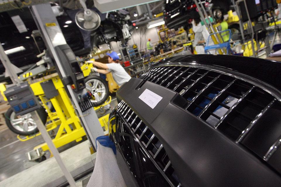 Фактически выпуск седанов Peugeot и Citroen в Калуге возобновится 17 августа