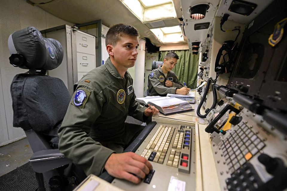 Министры обороны стран НАТО впервые со времен холодной войны обсудили изменение ядерной стратегии