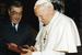 Во время встречи с Папой Римским Иоанном Павлом II в мае 1996 г.