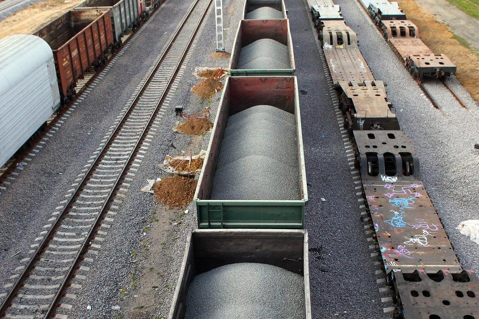 Федеральная грузовая компания возвращает вагоны «Новотрансу» из-за падения объема перевозок угольного холдинга СДС