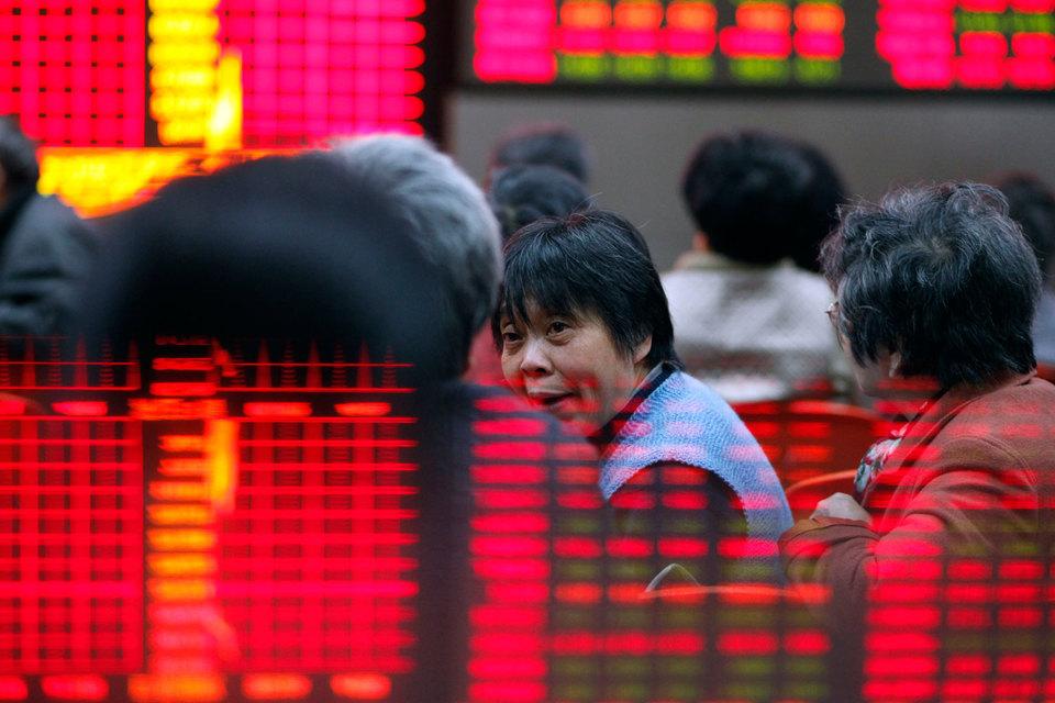 На китайском фондовом рынке продолжились панические распродажи