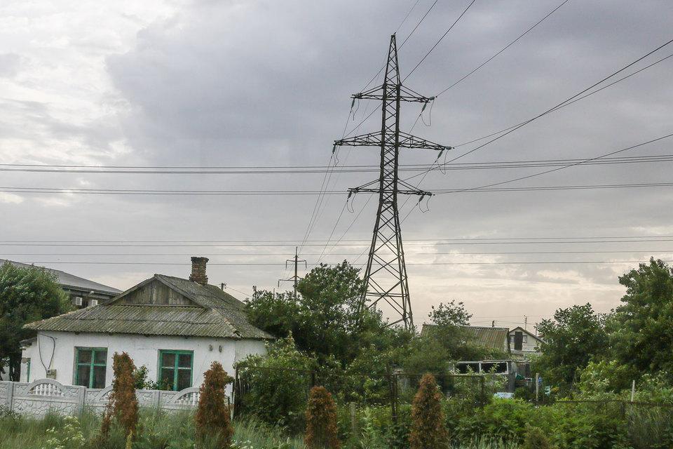 Украина пообещала оставить Крым без электричества, но делать этого не стала