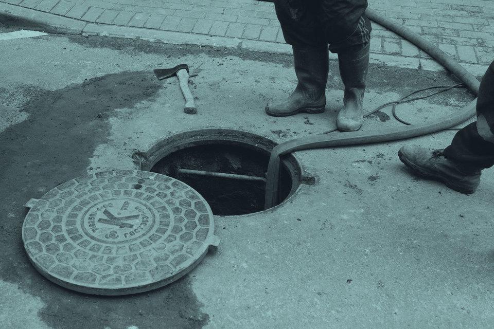 Строители олимпийских объектов не учли особенностей рельефа, в некоторых местах не устроены или плохо работают ливневки