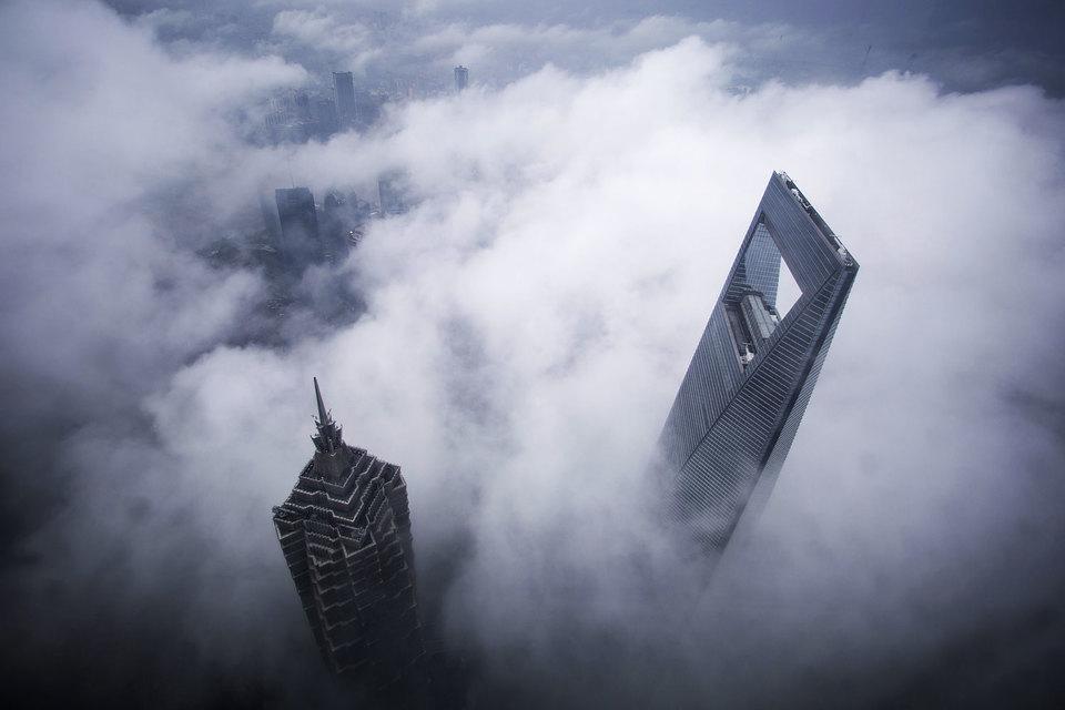 Китайский фондовый рынок продолжает снижение третью неделю подряд