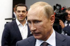 Владимир Путин и Алексис Ципрас (слева) надеются на помощь друг друга в противостоянии с Евросоюзом
