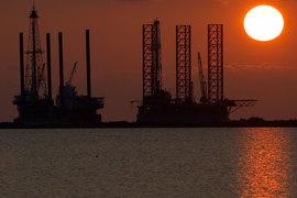 Цена нефти продержалась на уровне выше $60 за баррель немногим меньше трех месяцев