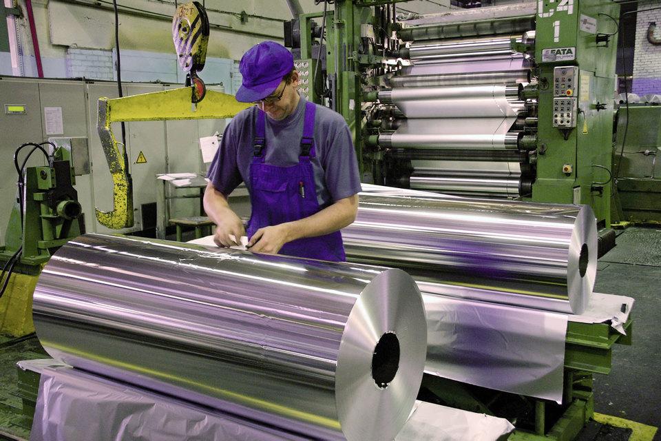 UC Rusal выпустила в прошлом году 88 000 т фольги, это принесло компании 3,2% выручки, или $303 млн