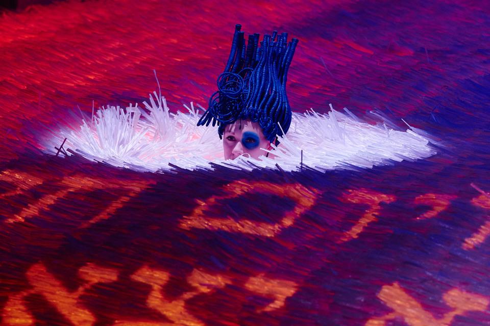 Сверлийцев затопила лава со священными письменами