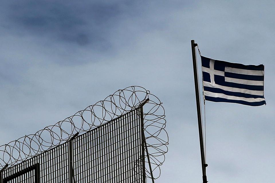 Кредиторы все меньше хотят помогать Греции