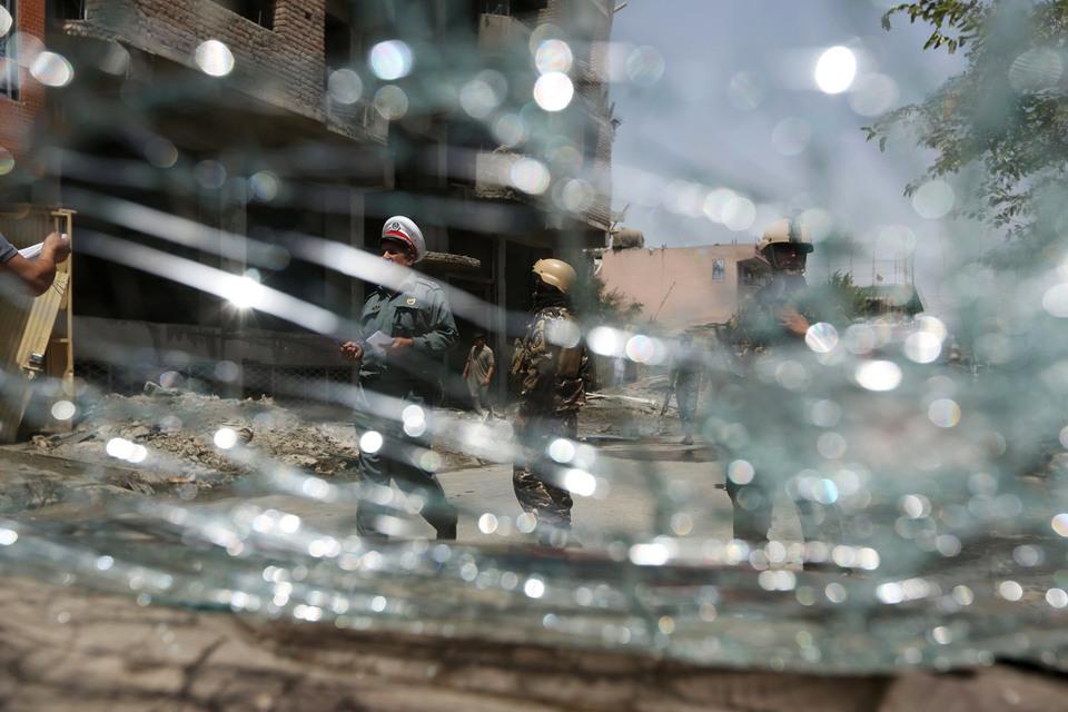 В июне «Талибан» направил лидерам «Исламского государства» письмо, в котором, напомнив о «религиозном братстве», потребовал прекратить вербовку новых сторонников на территории Афганистана