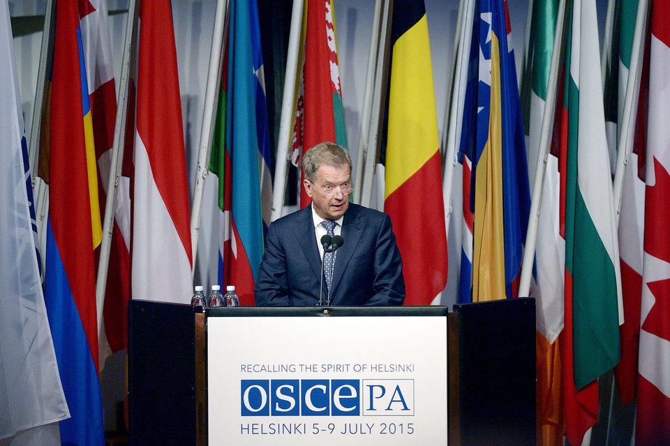 Президент Финляндии Саули Ниинистё выступает на сессии ПА ОБСЕ в июле 2015 г.