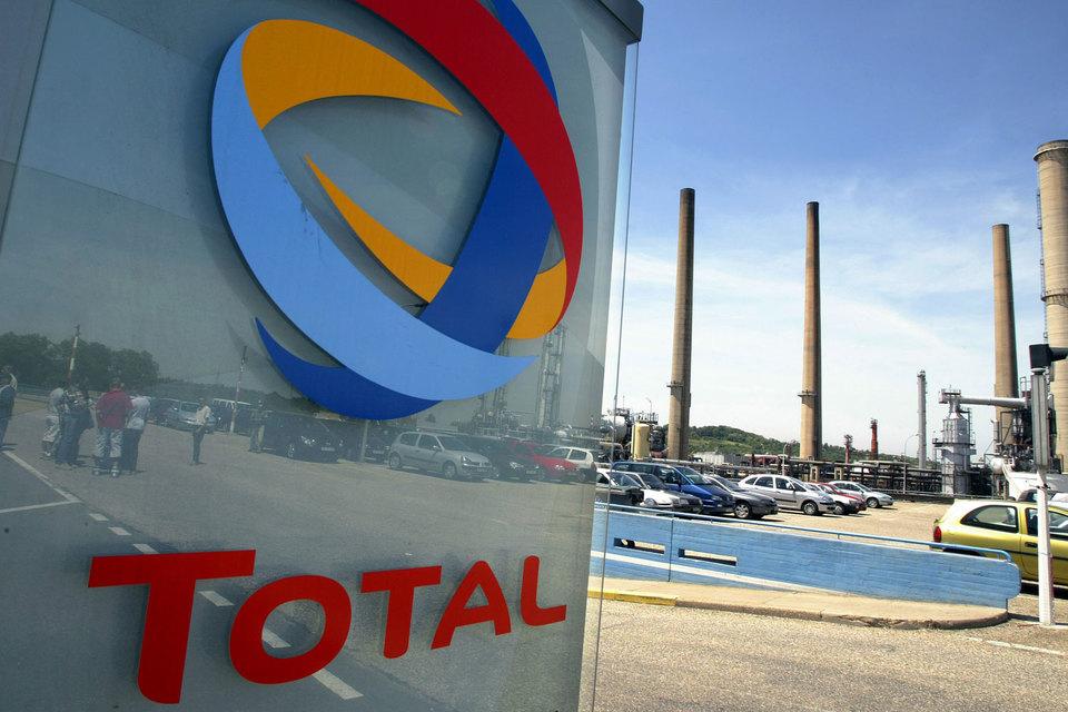 Total из-за санкций отложила в России несколько проектов, но компания хочет в них вернуться, как только сможет
