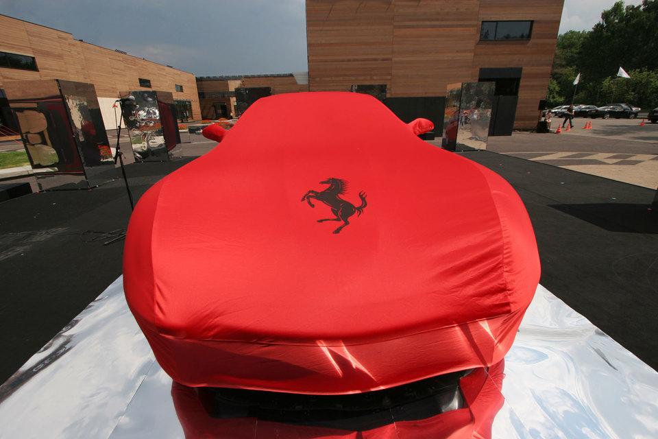 Обремененный долгами Fiat Chrysler выделяет из своего состава Ferrari, чтобы профинансировать инвестпрограмму на 48 млрд евро